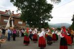 procesión y danzantes